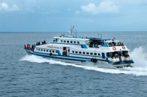 cocohuts boat1