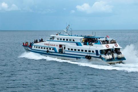 cocohuts boat4