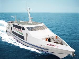 cocohuts boat3