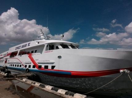 cocohuts boat5
