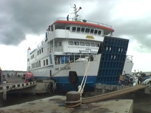 cocohuts boat2